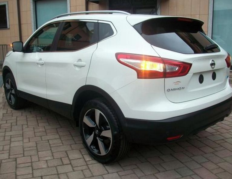 mandataire stock nissan qashqai 1 6 dci fap 130 x tronic n connecta. Black Bedroom Furniture Sets. Home Design Ideas