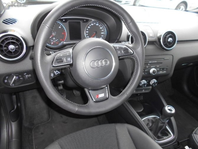 mandataire stock audi a1 1 0 tfsi 95 attraction s line. Black Bedroom Furniture Sets. Home Design Ideas