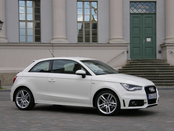 mandataire occasion audi a1 1 6 tdi 105 ambition cuir. Black Bedroom Furniture Sets. Home Design Ideas