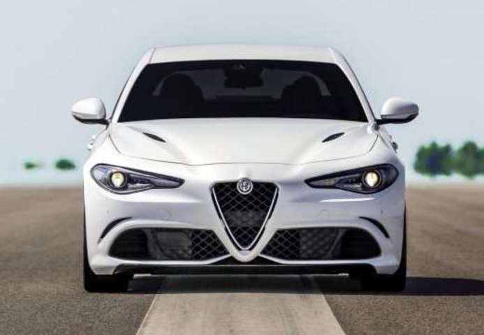 mandataire stock alfa romeo giulia 2 2 jtd 180 ch at8 super xenon. Black Bedroom Furniture Sets. Home Design Ideas