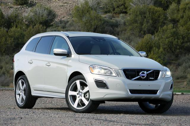 mandataire volvo xc 60 momentum d4 awd 2 4 181ch boite auto. Black Bedroom Furniture Sets. Home Design Ideas